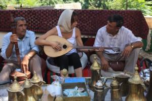 ЛИВАН. Узнаю рецепты семейных ценностей: совместные танцы и игры на лире